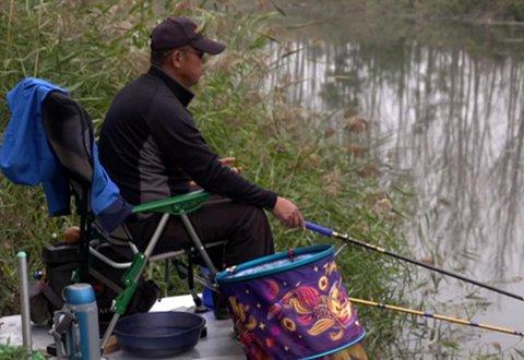 游钓中国第四季44 乡间野河潮起潮落 流水走漂有妙招
